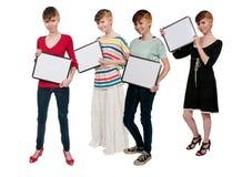Женщины держа пустой знак Стоковое Фото