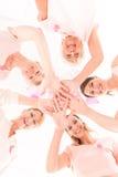 Женщины держа руки одина другого Стоковое фото RF