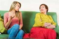 2 женщины деля плохую новость Стоковое фото RF
