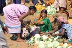женщины индийского рынка зоны сельские Стоковое Изображение