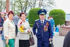 Женщины и человек в медалях Стоковое Изображение RF