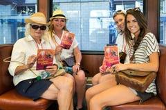 Женщины на вагонетке Стоковые Фотографии RF