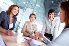 Женщины на встрече Стоковое Изображение RF