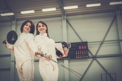 Женщины на ограждая тренировке Стоковые Фотографии RF