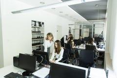 Женщины на офисе Стоковые Фото