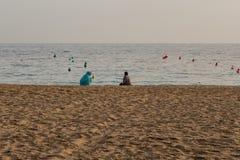 Женщины на пляже в Мурсии Стоковые Изображения