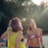 Женщины на пляже Стоковое фото RF