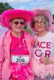 2 женщины на событии гонки на всю жизнь Стоковое Изображение