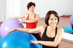 Женщины на спортзале Стоковые Фото