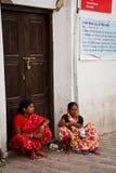 2 женщины непальца Катманду, Непала Стоковые Изображения RF