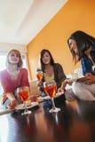 Женщины дома Стоковое Фото