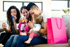3 женщины празднуя день рождения младенцев первый Стоковое Фото