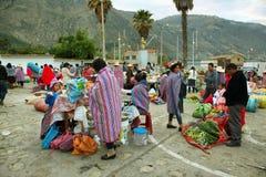Женщины продавая цветок в Caraz, Перу Стоковое Изображение RF