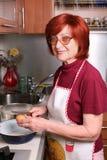 женщины руки s яичка Стоковые Фото