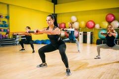 Женщины собирают на тренировку фитнеса, аэробную Стоковые Фотографии RF