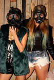 Женщины с gasmasks Стоковое фото RF