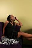 женщины телефона молодые Стоковая Фотография