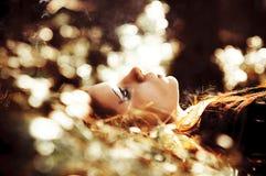 женщины травы Стоковые Фотографии RF
