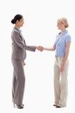 Женщины трястия руки счастливо Стоковые Фотографии RF