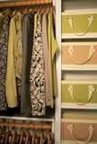 женщины шкафа милые Стоковая Фотография RF