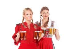 Женщины Oktoberfest с пивом Стоковая Фотография RF