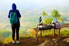 Женщины trekking Стоковая Фотография RF