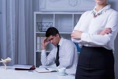 Жертва рабочего места задирая мужская Стоковое Изображение RF