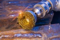 Жесткая щетка для механически чистки металла стоковое изображение
