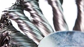 Жесткая щетка для работ на металле вращает, промежуток времени сток-видео