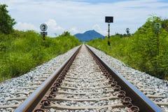 Железная дорога к красивой горе Стоковая Фотография RF