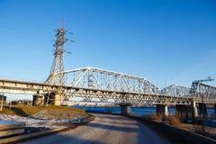 Железная дорога моста электричества столбца Стоковая Фотография