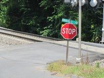 Железная дорога скрещивания улицы Стоковое Изображение RF