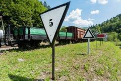 Железная дорога узкой колеи, поезд пара в Cisna, Польше Стоковое фото RF