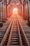 Железная дорога для быстроходного поезда между городом железная дорога с структурой тоннеля для креста река План гражданского инж Стоковые Фотографии RF