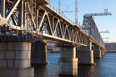 Железнодорожное река зимы моста Стоковое Фото