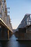 Железнодорожное река зимы моста Стоковая Фотография RF