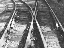 Железнодорожные пути в черно-белом Стоковые Фотографии RF