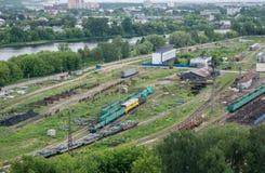 Железнодорожные пути на фабрике фуры Стоковая Фотография RF
