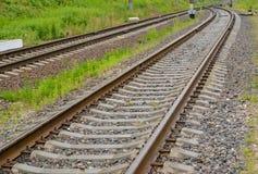 Железнодорожные рельсы на конкретных перекрестных связях Стоковые Фото