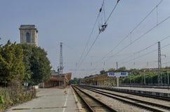 Железнодорожный вокзал в городке уловки Стоковое фото RF