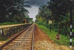 Железнодорожный вокзал в деревне Шри-Ланки Стоковая Фотография