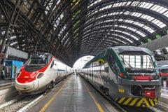 Железнодорожный вокзал Милан Centrale милана центральный, Италия Стоковые Изображения RF