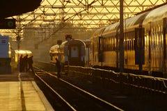 Железнодорожный вокзал на восходе солнца стоковая фотография rf