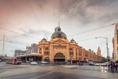 Железнодорожный вокзал улицы щепок в Мельбурне стоковые изображения rf