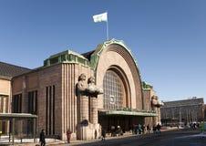 Железнодорожный вокзал, фасад и парадный вход Хельсинки центральные 17-ого марта 2013 в Хельсинки, Финляндии Стоковые Изображения