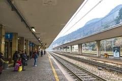 Железнодорожный вокзал Como San Giovanni, Ломбардия, Италия Стоковые Фотографии RF