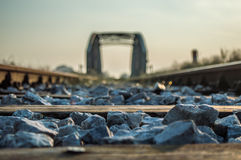 Железнодорожный мост в солнце утра Стоковые Фото