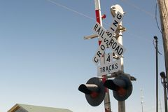 Железнодорожный переезд следов знака 4 Стоковые Фотографии RF