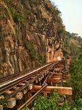 Железнодорожный тайский поезд на туристической достопримечательности Таиланда Стоковые Изображения