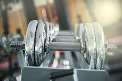 Железные гантели в спортзале Стоковая Фотография RF